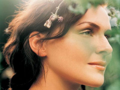 http://www.kruufm.com/files/10/emiliana-torrini.jpg